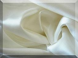 Feeling Pampered White Luxury 100% Silk Pillowcase for Hair